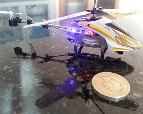 cel mai mic elicopter telecomandat