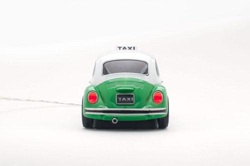 mouse masinuta beetle taxi verde