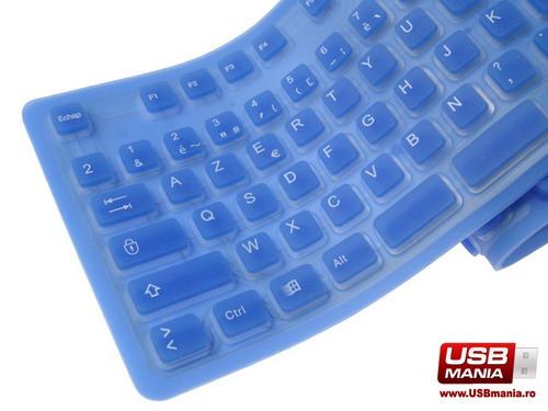 tastatura albastra