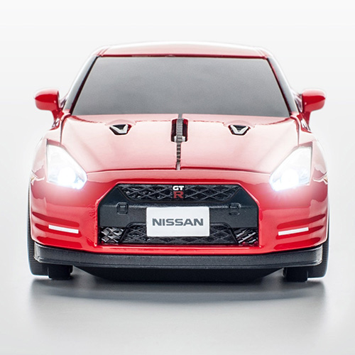 mouse nissan gt-r_detailed2