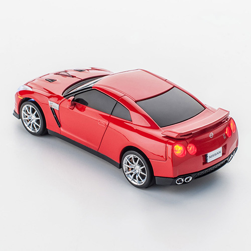 mouse nissan gt-r_detailed4