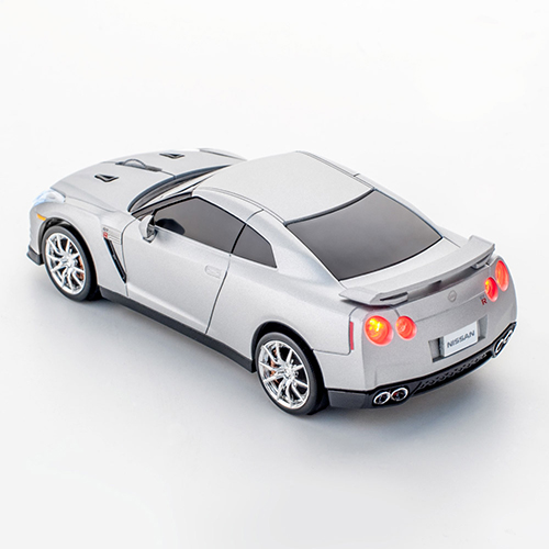 mouse nissan gt-r_detailed3